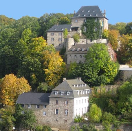 Burg (2).jpg